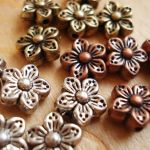 STAR FLOWER BEAD