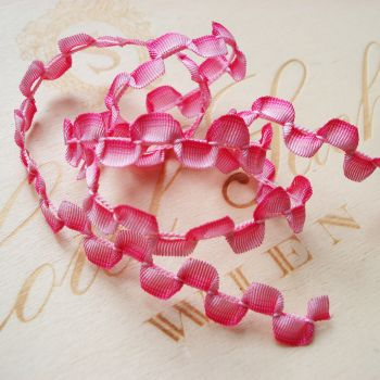 PINK OMBRE SCALLOP RIBBON