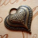 DIMPLE HEART PENDANT